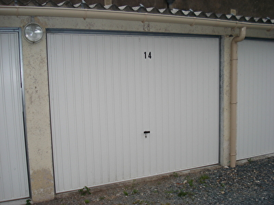 Parking / box FONTENAY LE COMTE - 12 m2