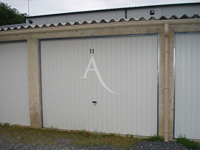 Parking / box FONTENAY LE COMTE - 13 m2